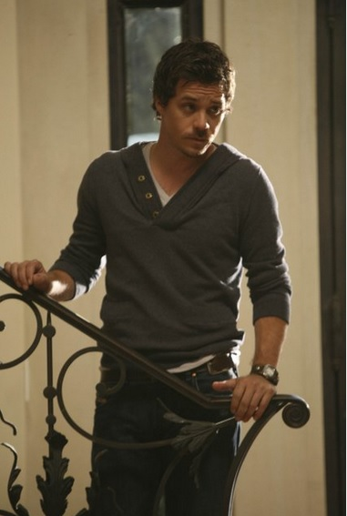 MIchael Raymond-James as Britt on FX's Terriers