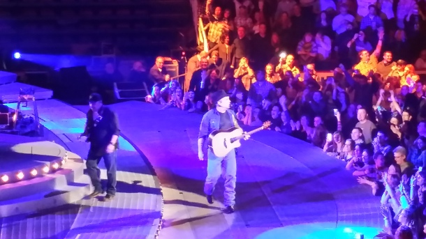 Garth Brooks at Joe Louis Arena, 2015